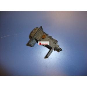 Portalamparas con pulsador CB380